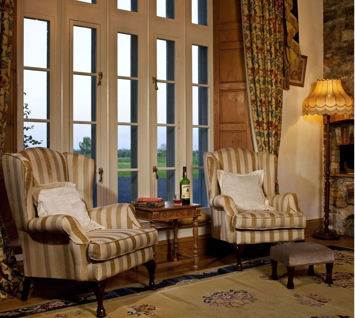 Castle Library - luxury rental property Ireland