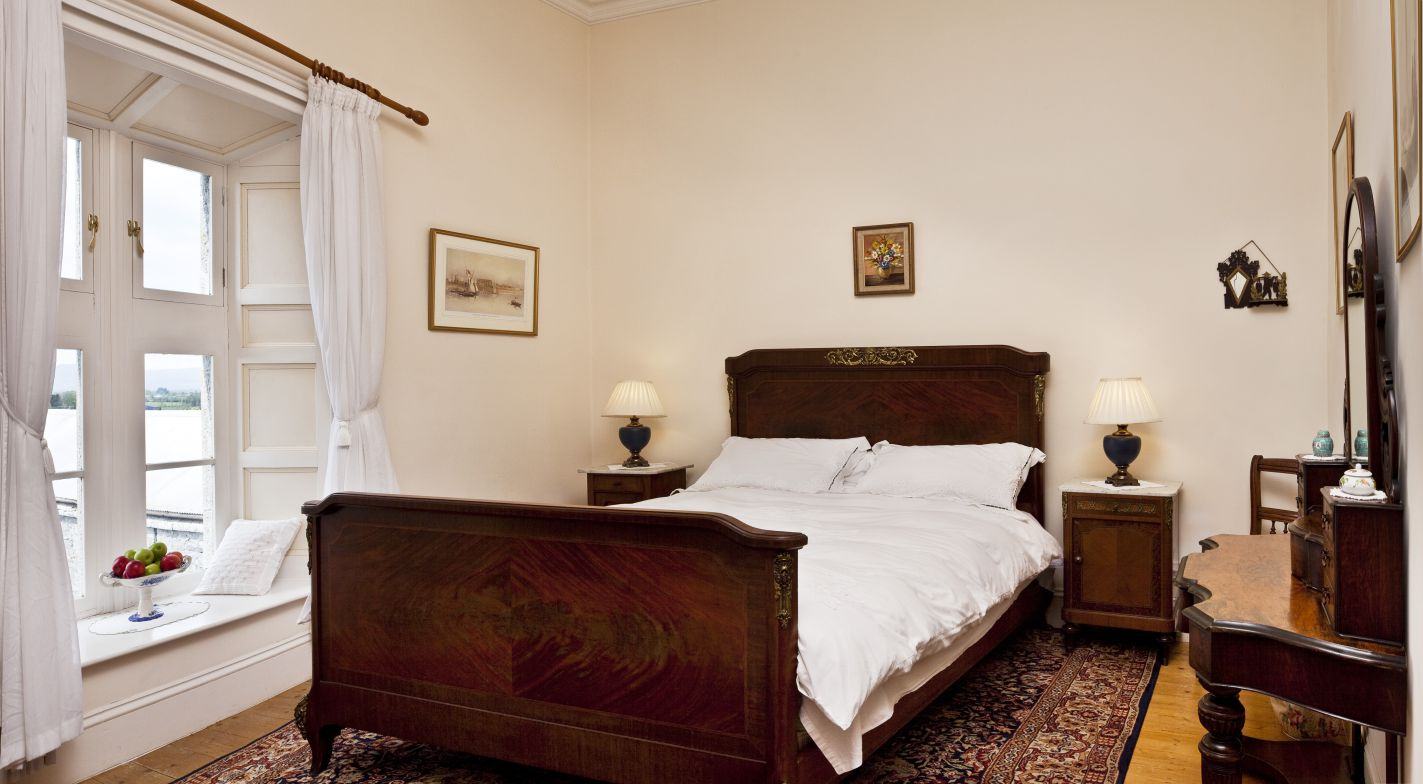 luxurious accommodation | The Governess Room - Lisheen Castle, Co, Tipperary