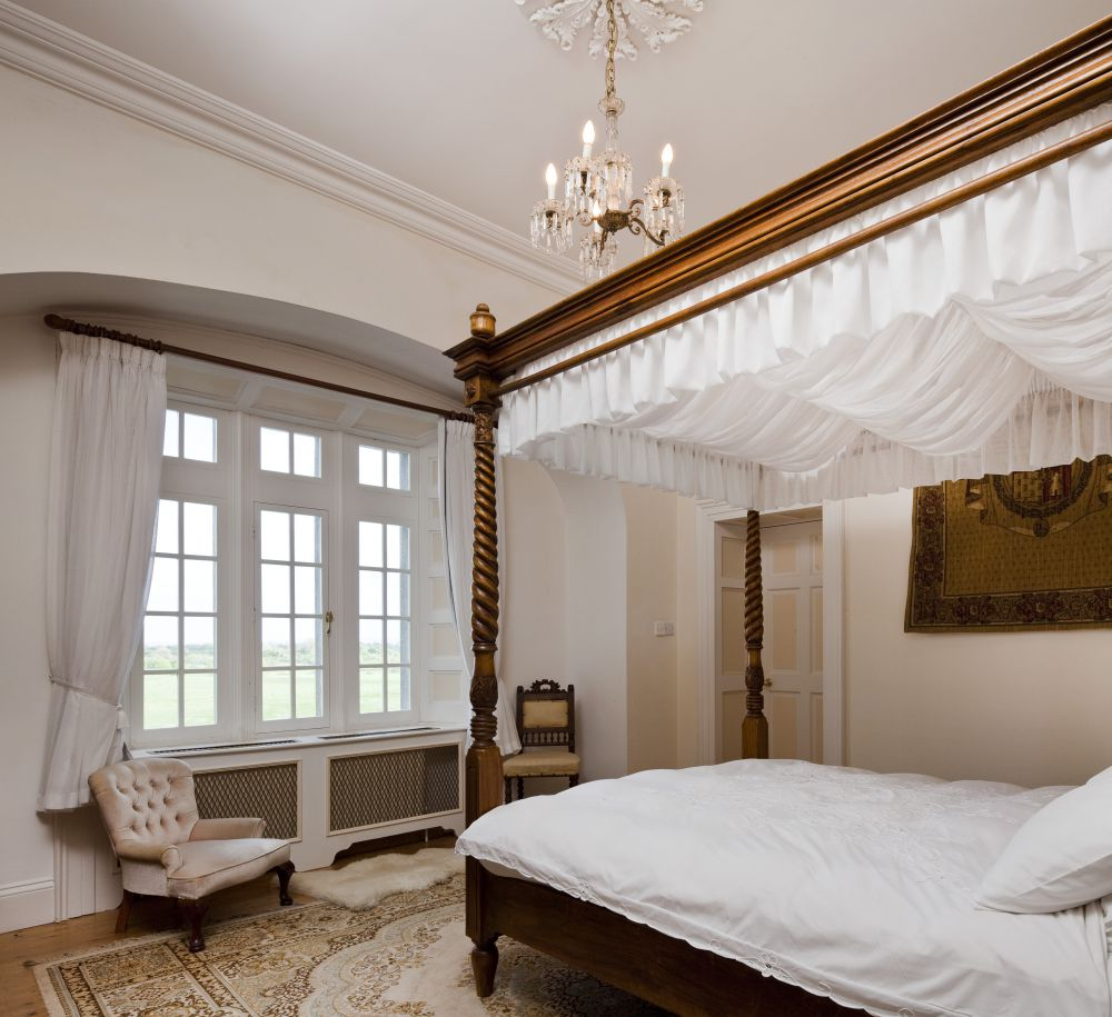 Luxurious Castle Bedroom - Lisheen Castle Ireland