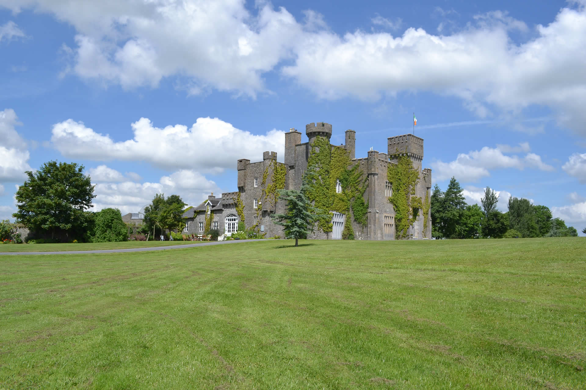 Beautiful Castle Garden Vacation Ireland