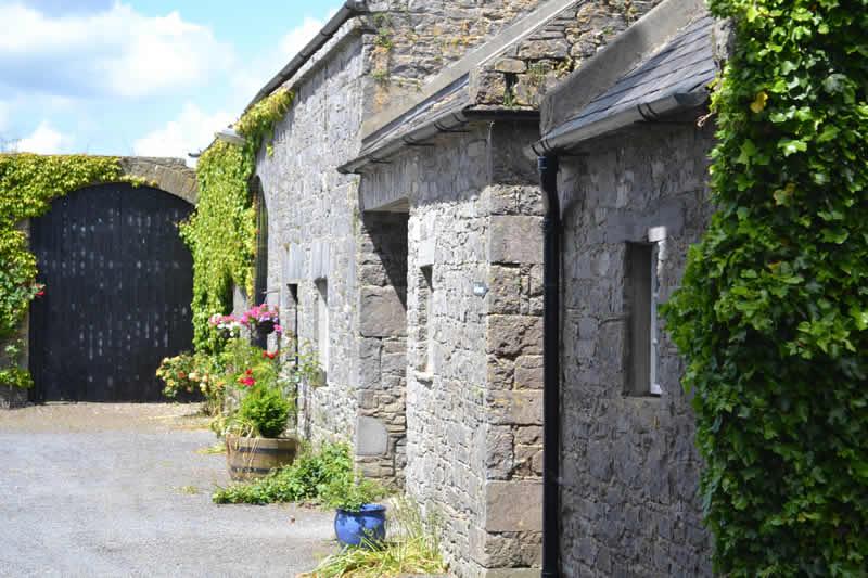 Book Lisheen Castle Ireland For Your Wedding