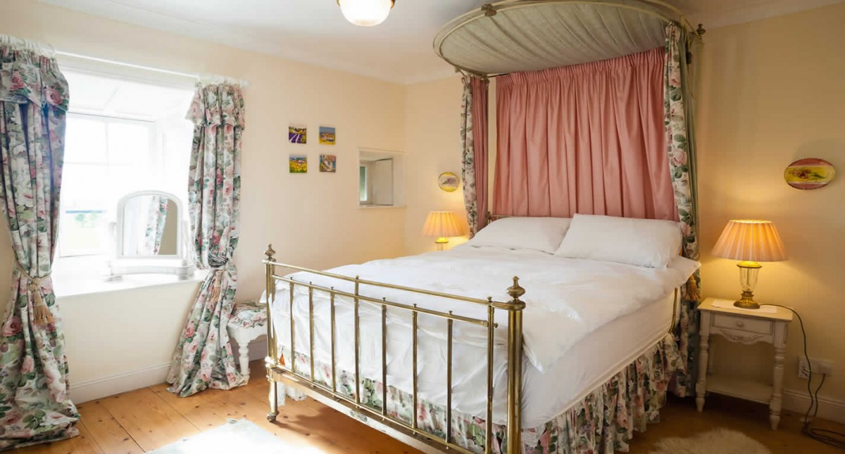The Thurles Room Lisheen Castle Rental Accommodation Ireland