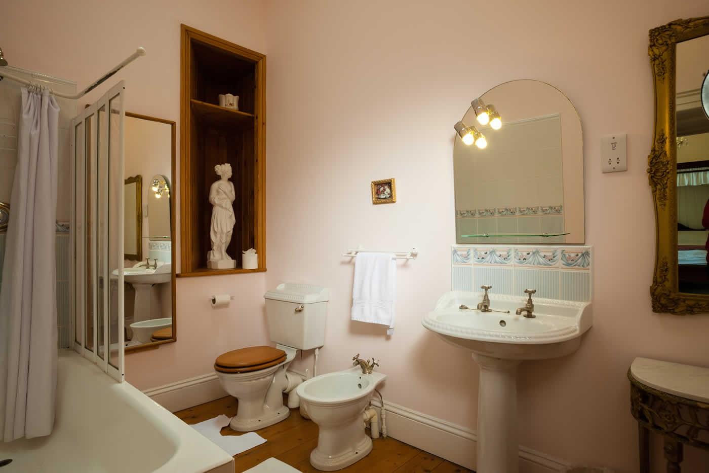 My Lords Bathroom Lisheen Castle